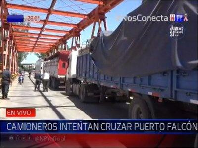 Camiones con productos paraguayos no pueden ingresar a Argentina