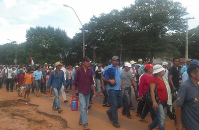 Campesinos marchan hoy en todo el país