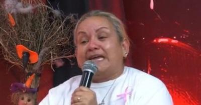La mamá del supuesto abusador de la Miss Teen, dio la cara