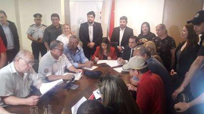 Gobierno llega a un acuerdo con guardiacárceles y funcionarios del Registro Civil