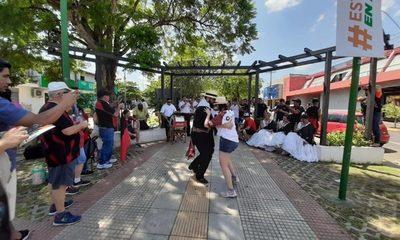 ¡Se armó la fiesta! En Barrio Obrero ya se palpita la final Sudamericana