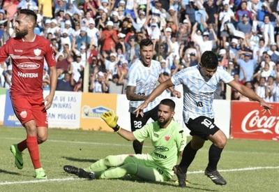 Guaireña gana y es de Primera División