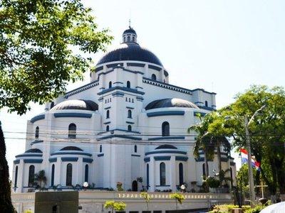 Virgencita Azul de Caacupé espera a fieles en una  renovada Basílica