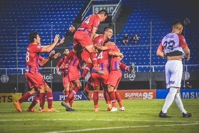 Cerro Porteño goleó a Nacional en el Defensores