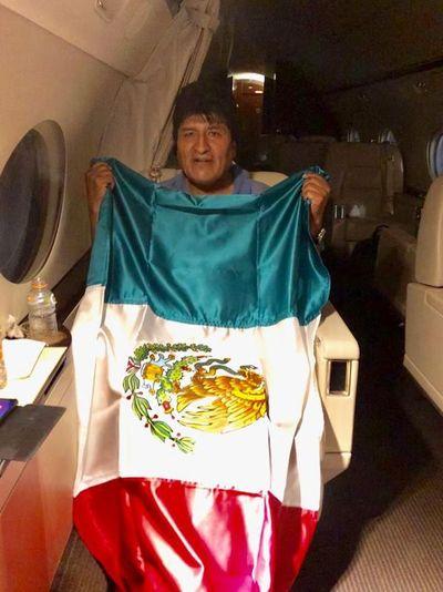 """Abastecimiento de combustible a Evo fue """"una cuestión humanitaria"""" para Kattya González"""