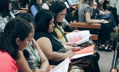 HOY / Mujeres emprendedoras participaron de un encuentro de capacitación