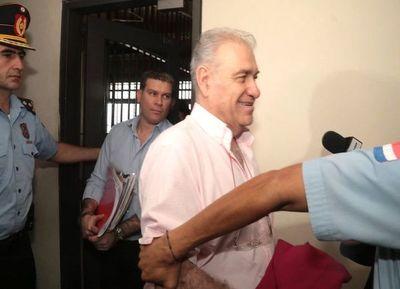 Juez ordenó la prisión de RGD y de su hijo