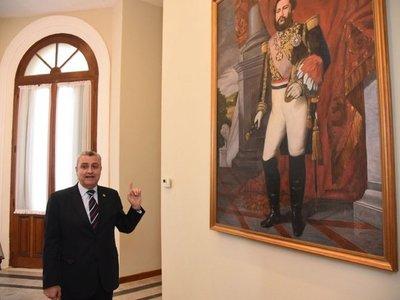 Villamayor desmanteló dependencia que potenciaba la  figura de Ullón