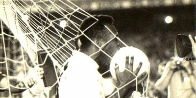 """HOY / """"Comencé a temblar"""", los nervios de Pelé segundos antes de marcar su gol mil"""