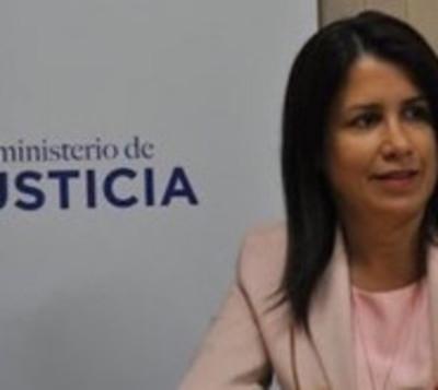 Viceministra de Justicia renuncia a su cargo