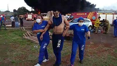 Incendio sigue incontenible en PJC y heridos ascienden a 15, con civiles
