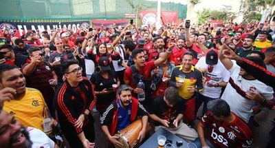 Hinchas de Flamengo y River copan Lima para final de Libertadores