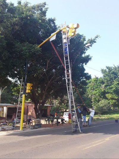 Otra vez no funcionan semáforos nuevos de Horqueta