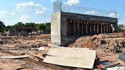 Prometen concluir obras del  puente sobre Tapiracuái