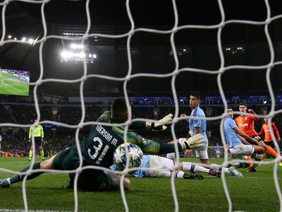 City clasifica con un empate ante el Shakhtar
