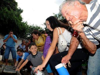 Cuidador del Tupãsy Ykua recibe a peregrinos desde hace 13 años