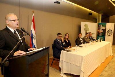 Ministros participan de charlas sobre medio ambiente
