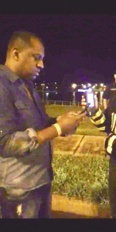 Cubano agrede a la Caminera presuntamente para no someterse al alcotest