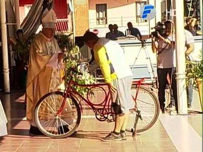 Donó la bicicleta que usó por 10 años para peregrinar hasta Caacupé