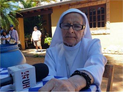 Conmovedor relato de la religiosa que visita hace 40 años a la Virgen