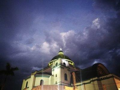 Domingo caluroso y con lluvias para celebrar el Día de la Virgen