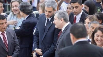"""Reciben al presidente en Caacupé al grito de """"Vendepatria"""""""