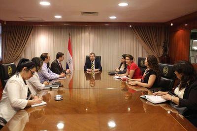 Reunión sobre inscripción de bienes decomisados a favor del Estado
