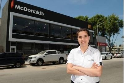HOY / Paraguaya que vendía hamburguesas con su familia hoy administra un McDonald's en Argentina