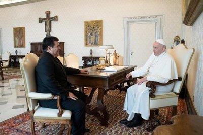 Cartes felicita al Papa Francisco, que cumple hoy 83 años