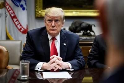 """Trump afirma que juicio político es """"declaración de guerra a la democracia"""""""