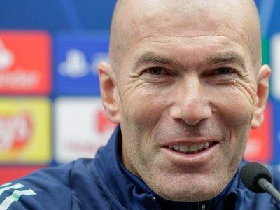 Deschamps bendice a Zidane