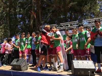 Tembetary gana torneo internacional de Escuelas de Fútbol