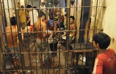 Barrotes de cristal: el frágil sistema penitenciario que se hizo pedazos