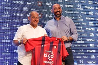 Cerro Porteño prescinde de Nanni como director deportivo tras el regreso de Arce