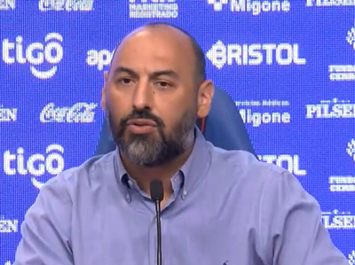 "Raúl Zapag: """"Roberto Nanni no va a continuar, su contrato finaliza el 31 de diciembre,"""