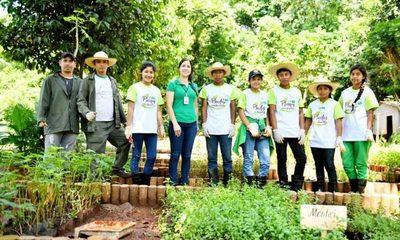 Estudiantes de la comunidad indígena Acaraymi realizan pasantía en el área ambiental de ITAIPU