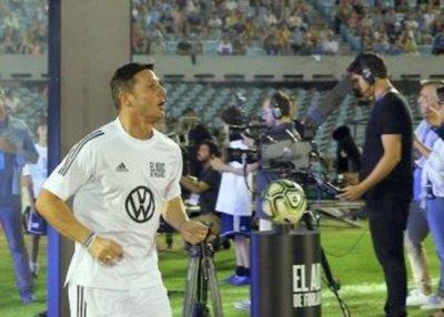 Uruguay se refuerza con figuras que juegan en España, México y Argentina