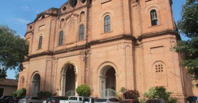 "Solo veinte feligreses  para ""feró"" iglesia he'i"