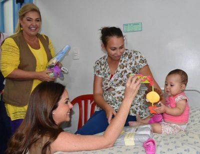 Oficina de la Primera Dama beneficia a más de 214 mil personas