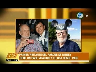 El primer visitante de Disneyland tiene pase vitalicio desde 1955
