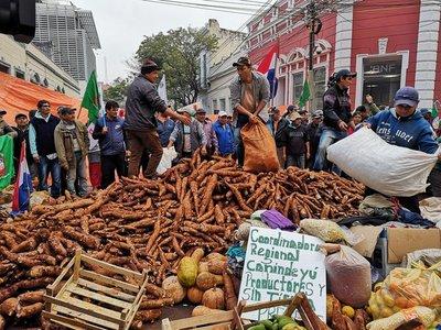 Campesinos exigen al Gobierno cumplir acuerdo firmado hace tres meses