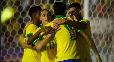 Con tres convocados a última hora Brasil inicia su preparación para el Preolímpico