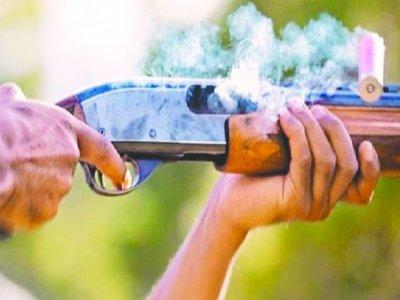 Un hombre disparó a su vecino de 17 años en el patio de su casa