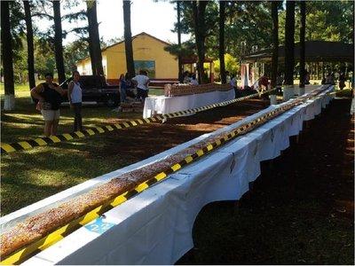 Elaboraron bizcochuelo de casi 23 metros en Edelira