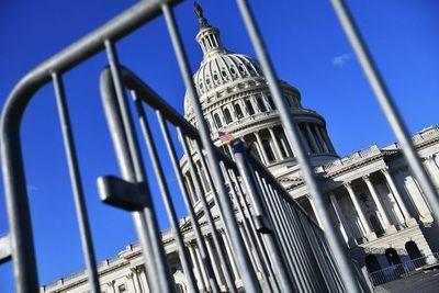 Congreso de EE.UU. vota mañana para limitar acciones militares de Trump en Irán