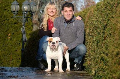 Marlon, el perro que falleció pero cuyo clon lo reemplaza