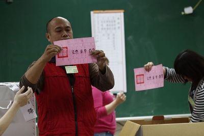Con un ojo en Hong Kong y otro en Pekín, vota la pequeña isla de Taiwán