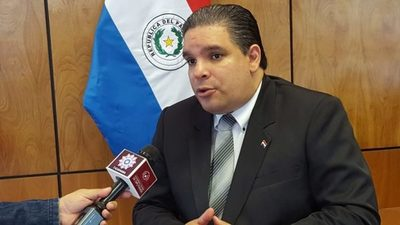 Enrique López presentó renuncia y dijo que ya tienen a su reemplazante