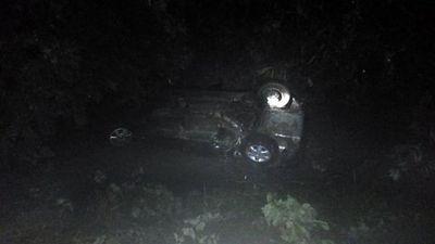 Joven murió ahogado tras vuelco de vehículo en Acahay