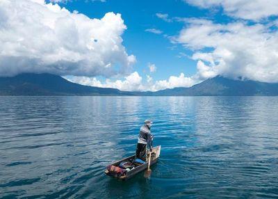 Guatemala: Tocar el cielo a 140 pasos del suelo